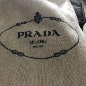 Prada never worn classic pumps beautiful